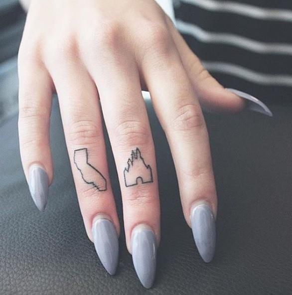 tatuaje minimalista Disney 8
