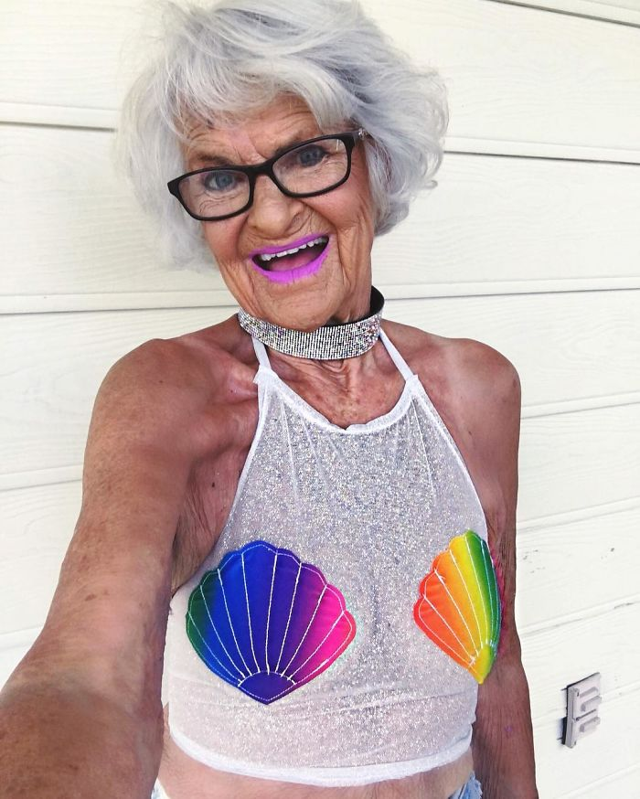 abuela molona 2