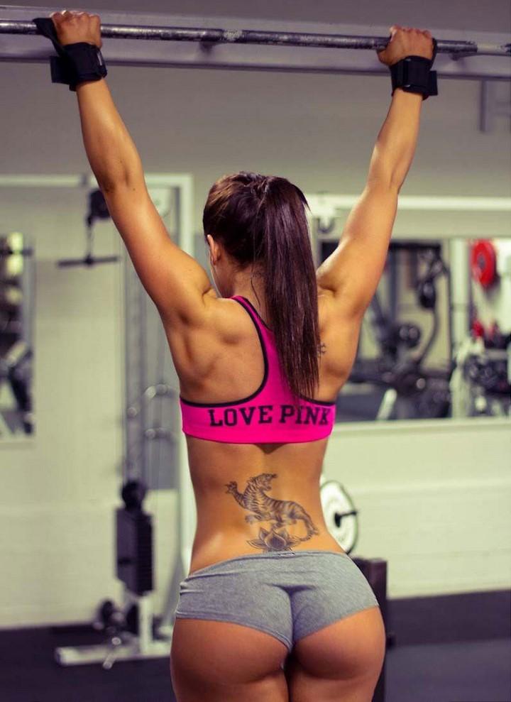 mujer-musculosa-12