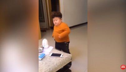 nino-bailando