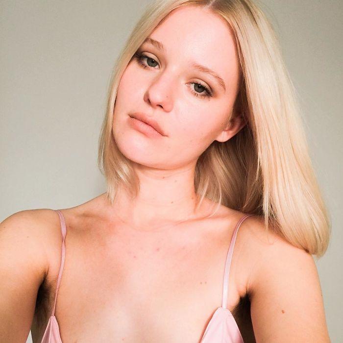 modelo-sueca-peluda
