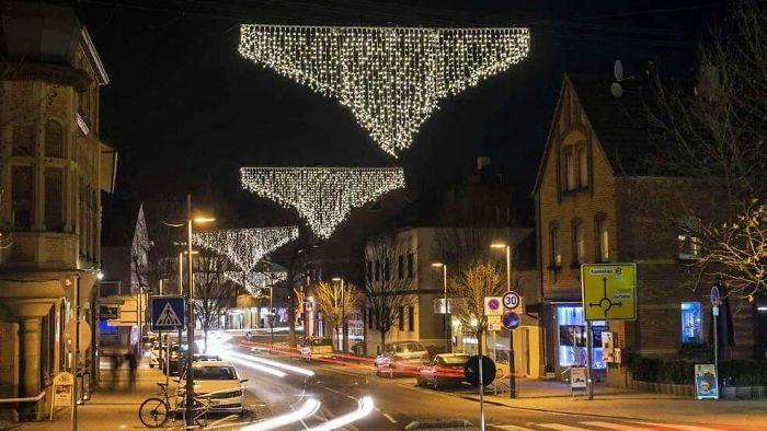luces-de-Navidad-inspiradas-en-unos-gallumbos