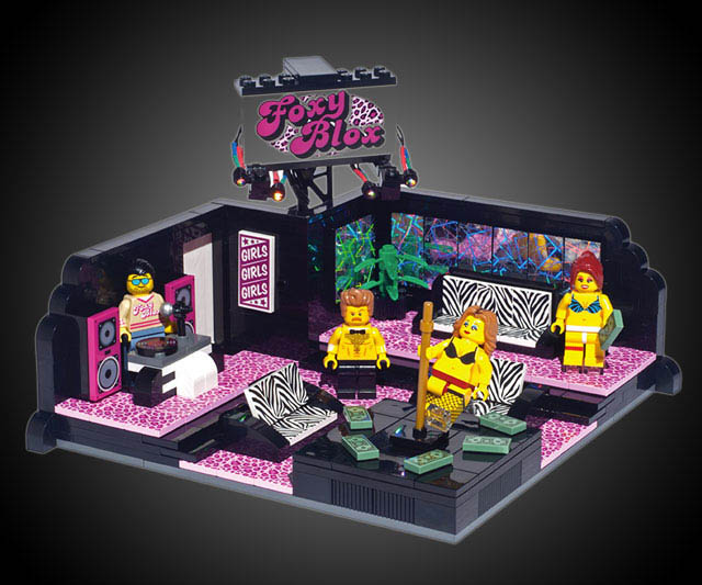 club-striptease-LEGO