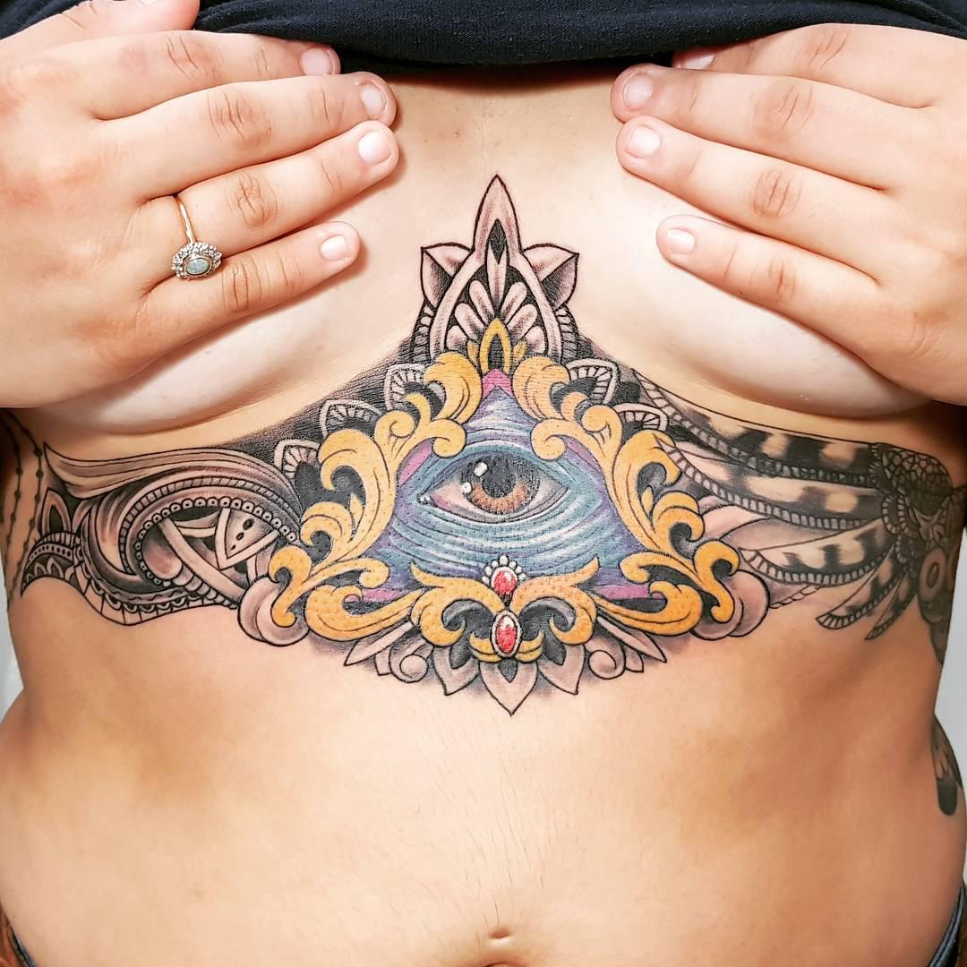 tatuaje-underboob