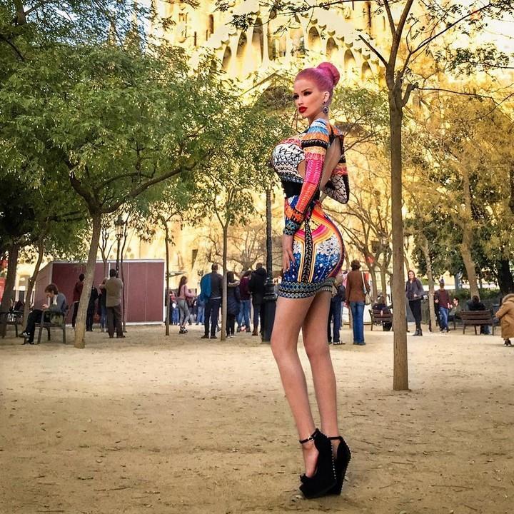 Barbie-checa