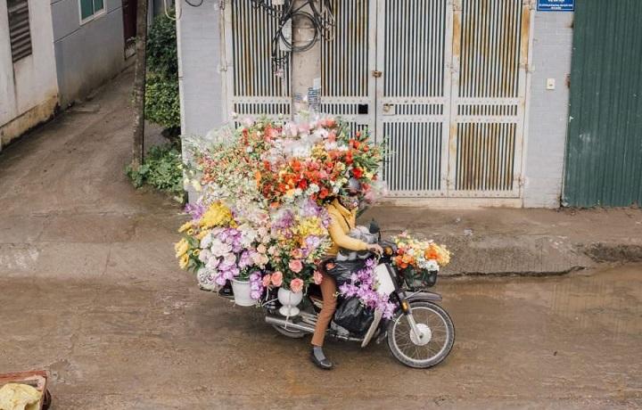 florista-en-moto