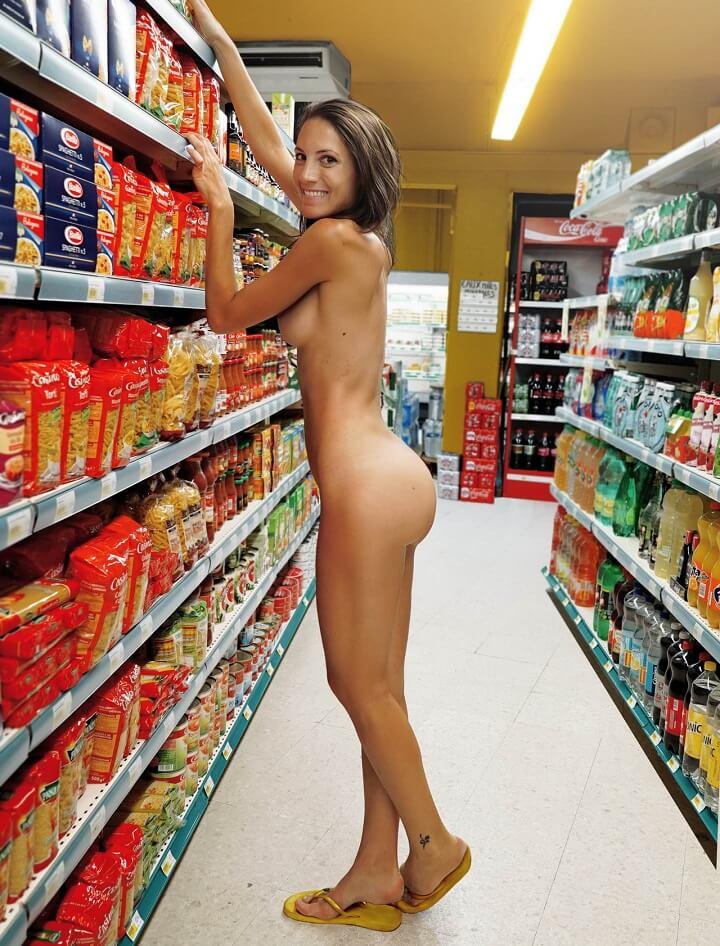 mujer-comprando-desnuda