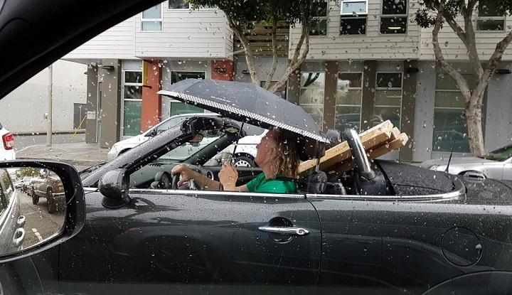 descapotable-con-paraguas