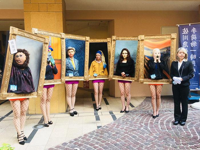 estudiantes-disfrazados