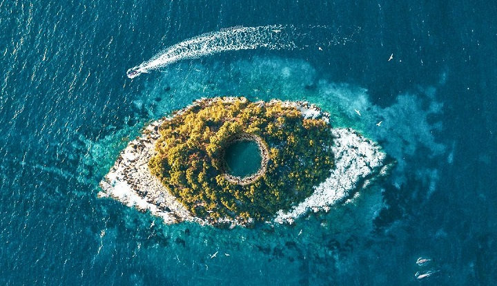 la-isla-que-parece-un-ojo