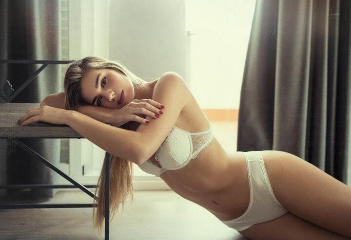 mujer-lenceria-fina