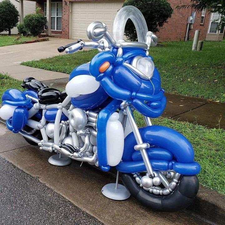 moto-hecha-con-globos