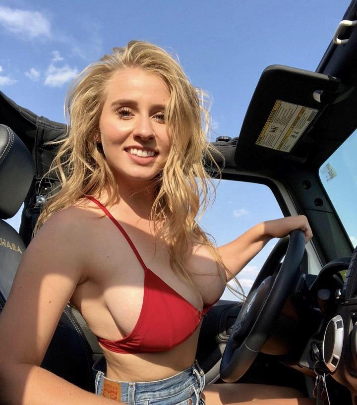 conduciendo-en-bikini