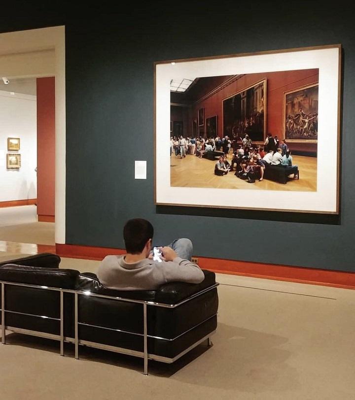cuadro-que-refleja-lo-que-llega-a-cansar-un-museo