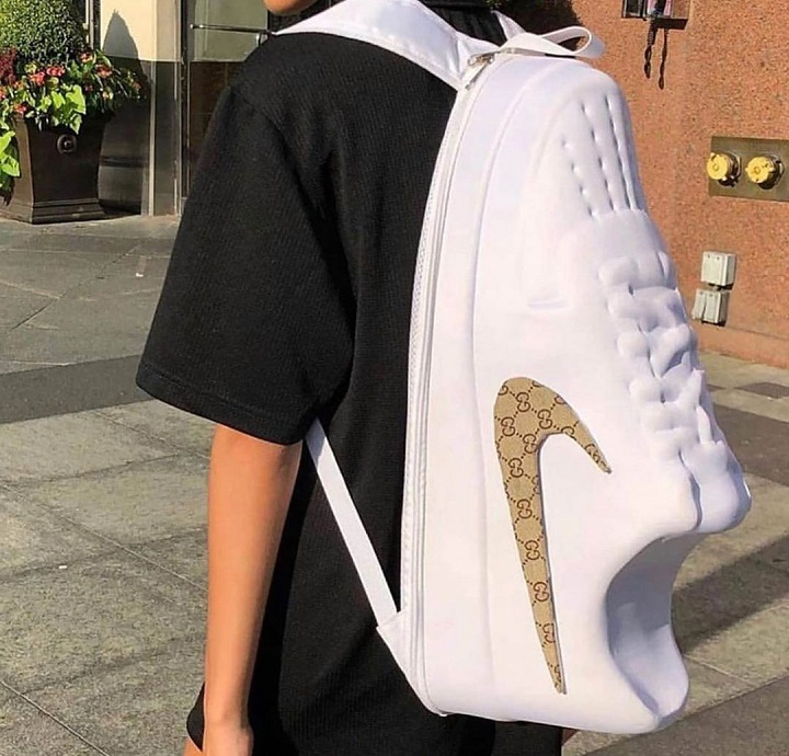 mochila-zapatilla-Nike