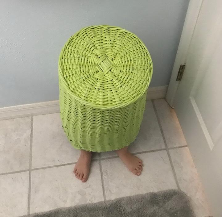 mueble-auxiliar-con-patas