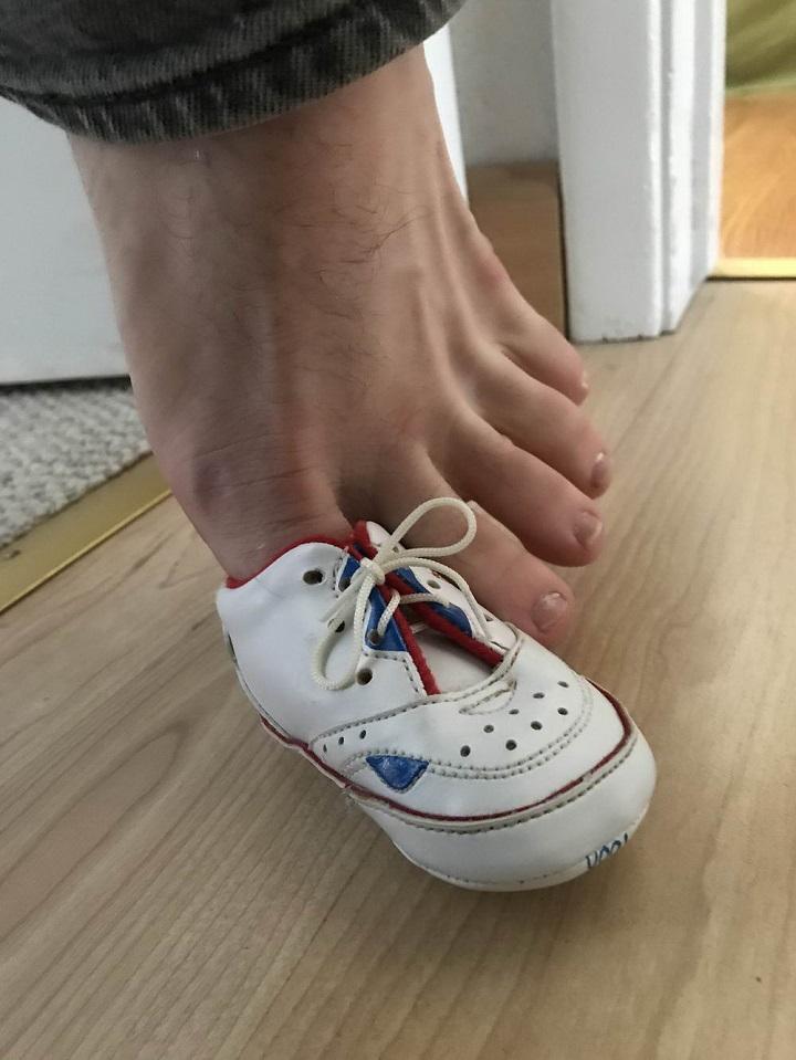 zapato-de-bebe-para-el-dedo-gordo