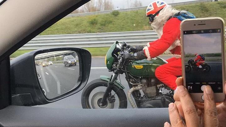 papa-noel-en-moto