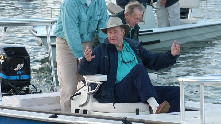 George-Bush-pescando