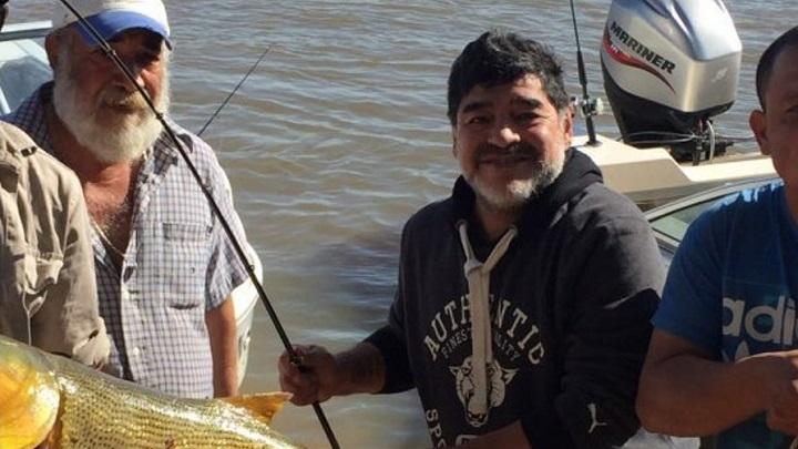 Maradona-pescando