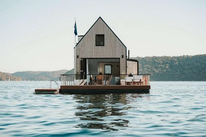 casita-en-medio-de-un-lago